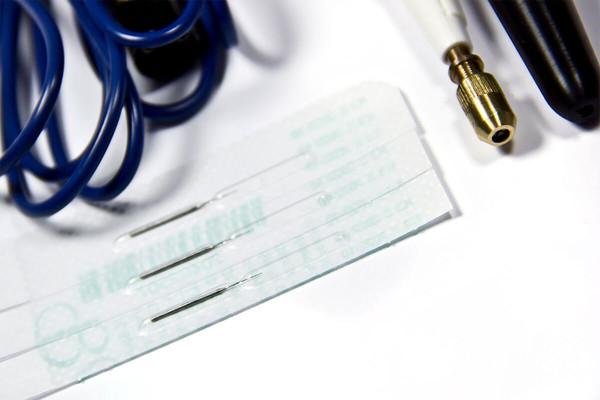 Kosmetický přístroj elektroepilace a elektrokoagulace T-18